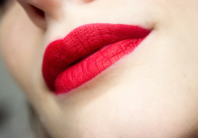Jeffree Star Redrum Velour lipstick closeup