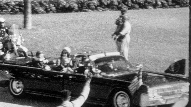 Primer disparo JFK
