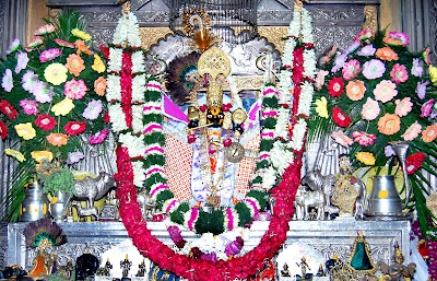 Sawariya seth statue