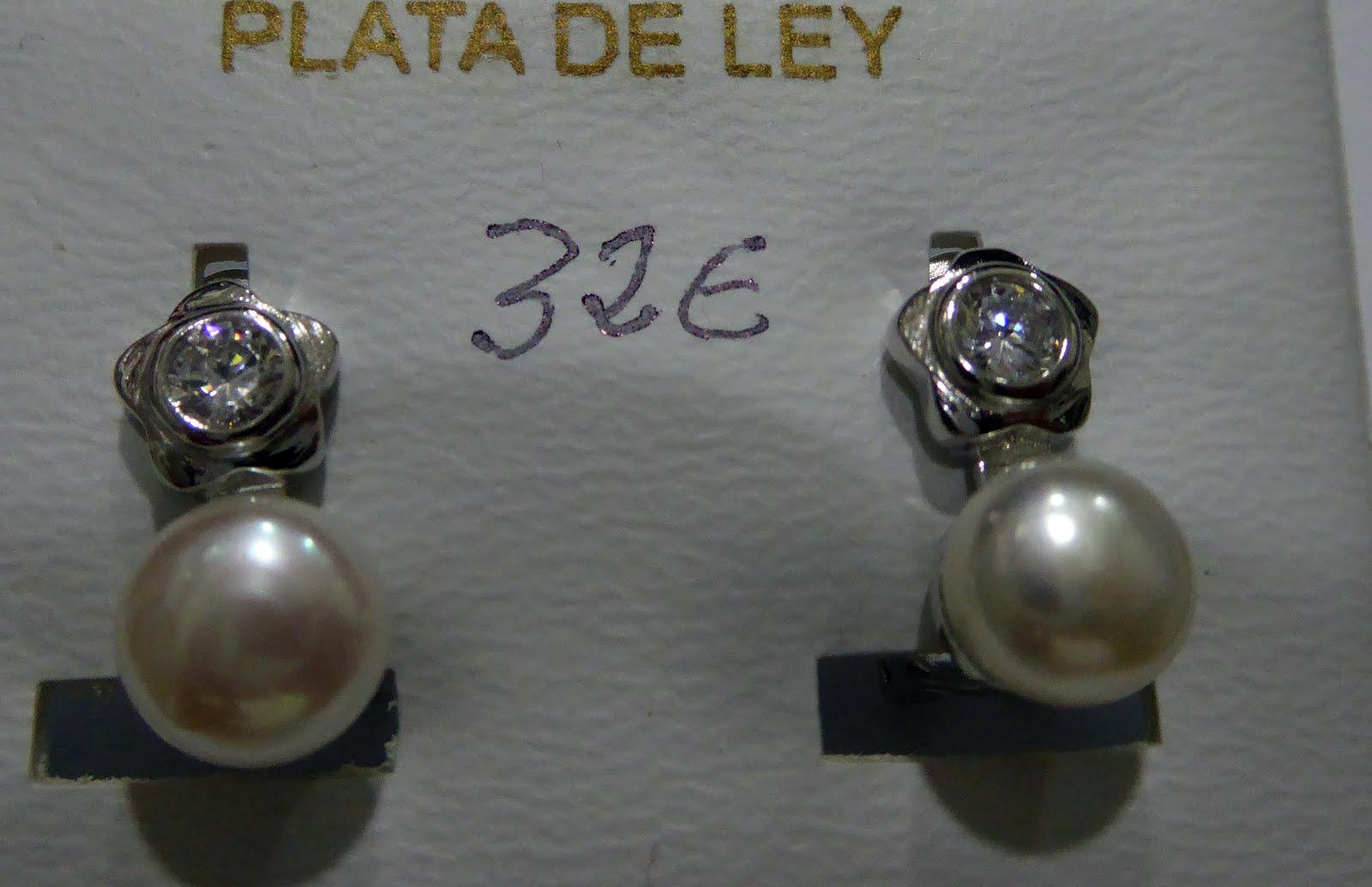 Pendientes de perla y circonita con cierre omega