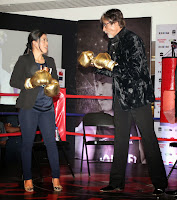 Big B launches Mary Kom's autobiography 'Unbreakable'