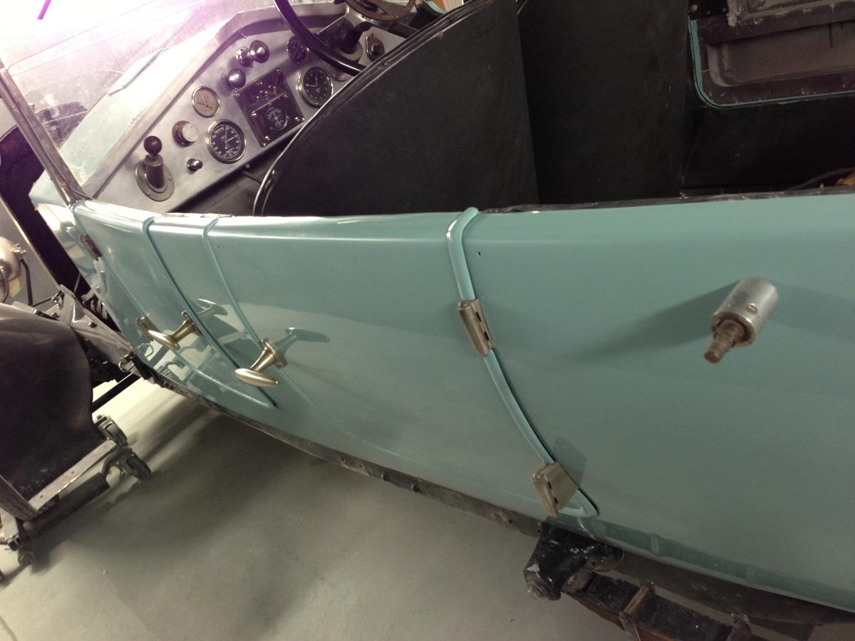 Mitchell Motors Vauxhall 30 98 Body Tub Repaint