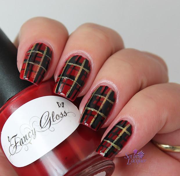 holiday - day plaid nail