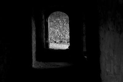 ein Gang in der Festungsruine Hohenurach