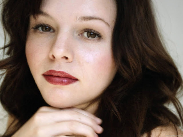 Amber Tamblyn Wallpaper-1600x1200-06
