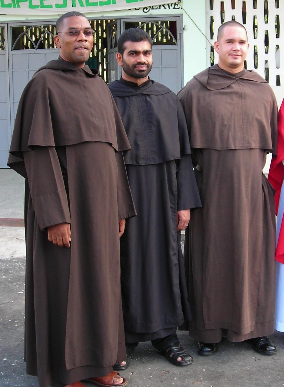 Zakony i zgromadzenia zakonne na wiecie karmelici for The franciscan