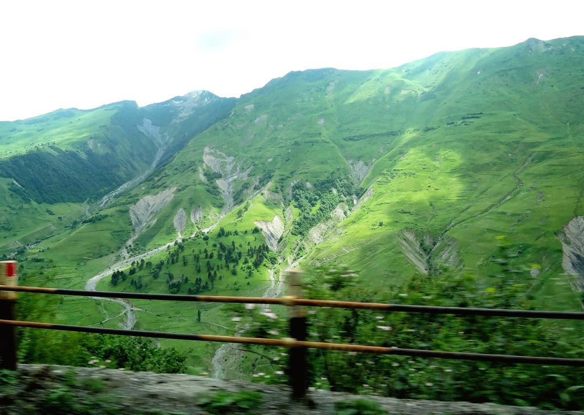 горы возле Крестового перевала
