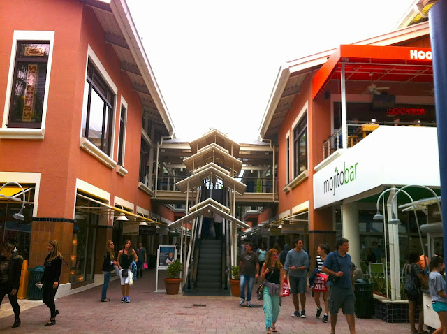 Área externa do Shopping Bayside Marketplace