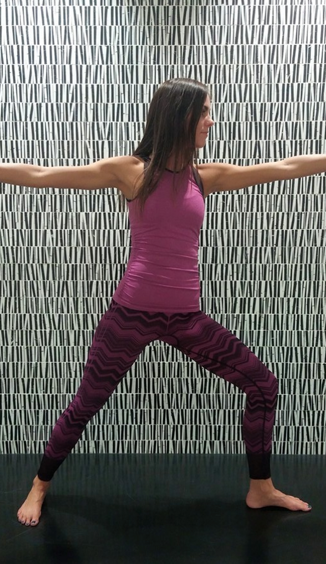 http://www.anrdoezrs.net/links/7680158/type/dlg/http://shop.lululemon.com/products/clothes-accessories/pants-yoga/Ebb-To-Street-Pant?cc=17376&sli=1