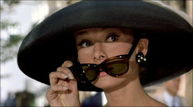 audrey de oculos