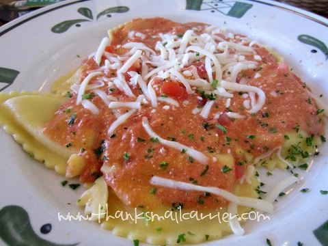Olive Garden mezzaluna ravioli