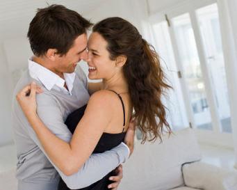 Tips Romantis untuk Pasangan dengan Jam Kerja Berbeda
