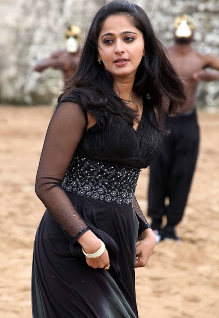 Anushka New cute Still Photos