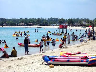 Tempat Wisata di Jepara Pantai Bandengan atau Pantai Tirtosamudro