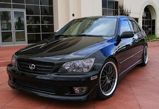 Lexus IS 300 Pictures