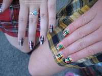 Plaid nails