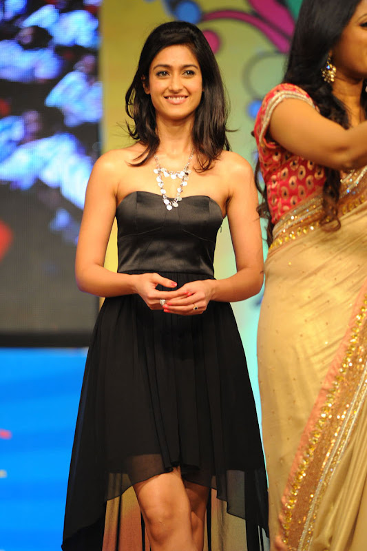 Ileana looking Hot Pictures At The Audio Launch Of Snehithudu Along With Others gallery pictures