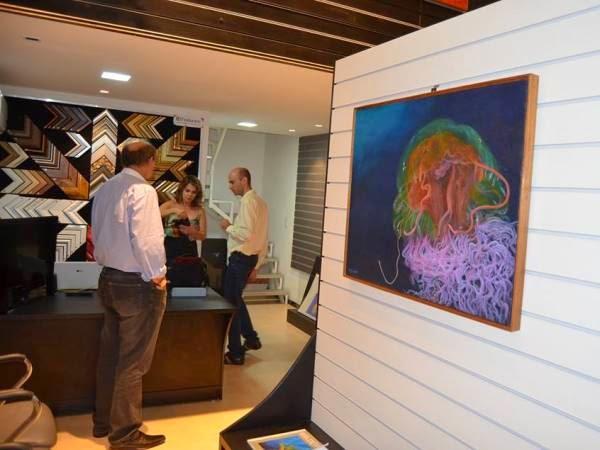 Exposição 'Olhos no Mar' explora técnicas de pintura na Art7 Galeria, em Campina Grande