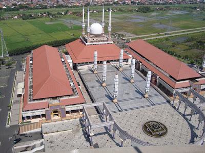 kembaran masjid nabawi di indonesia