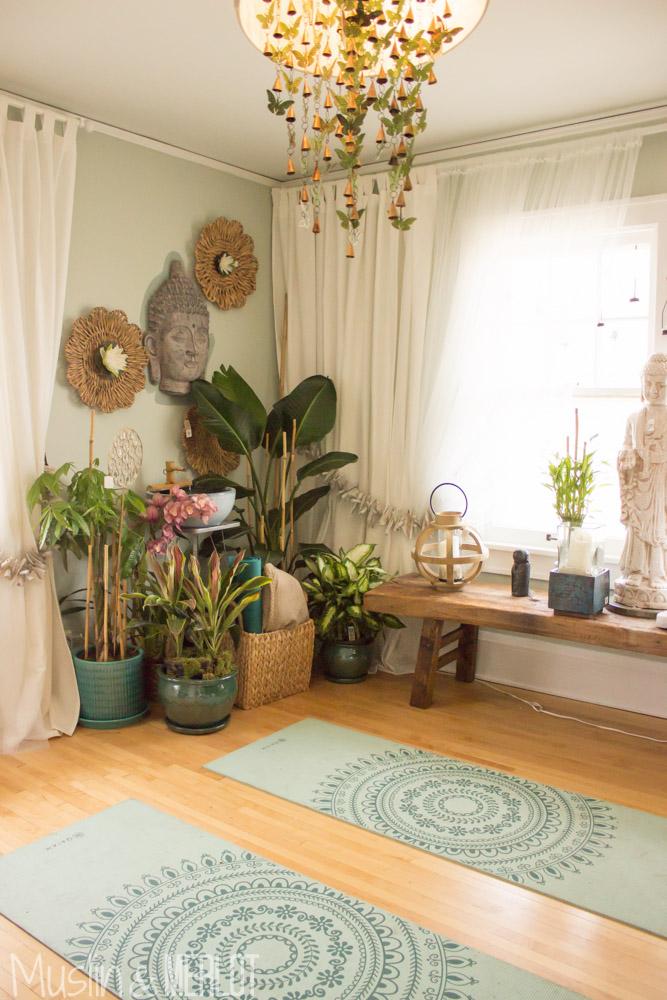 Home Yoga Studio Design Ideas. Bright Ballet Barre Vogue Calgary ...