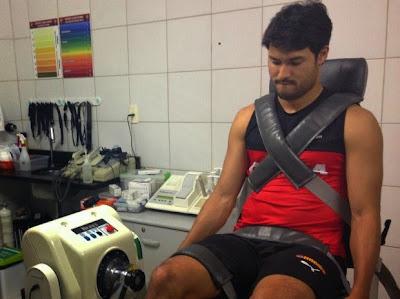 Pedro Ken inicia exames médicos no Vitória