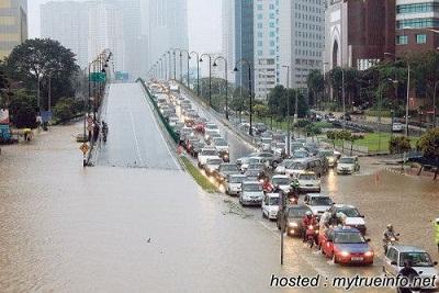Gambar banjir teruk di sekitar bandar Kuala Lumpur 12 April 2013 (12