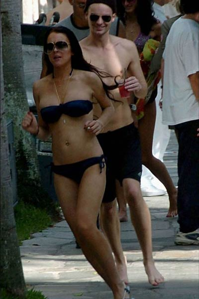 lindsay lohan bikini run 04 thumb Jane Russell Ain't There Anyone Here for Love? Gentlemen Prefer Blondes