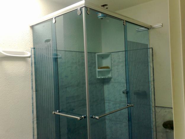 Puertas Para Baño De Vidrio Templado: en-vidrio-de-seguridad-divisiones-de-bano-en-vidrio-templado-Servicios