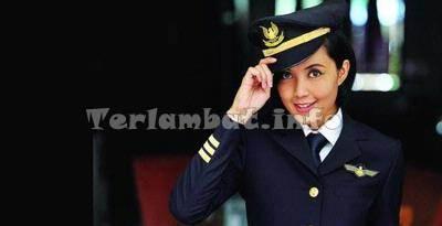 Pilot Cantik Sarah Widyanti Kusuma