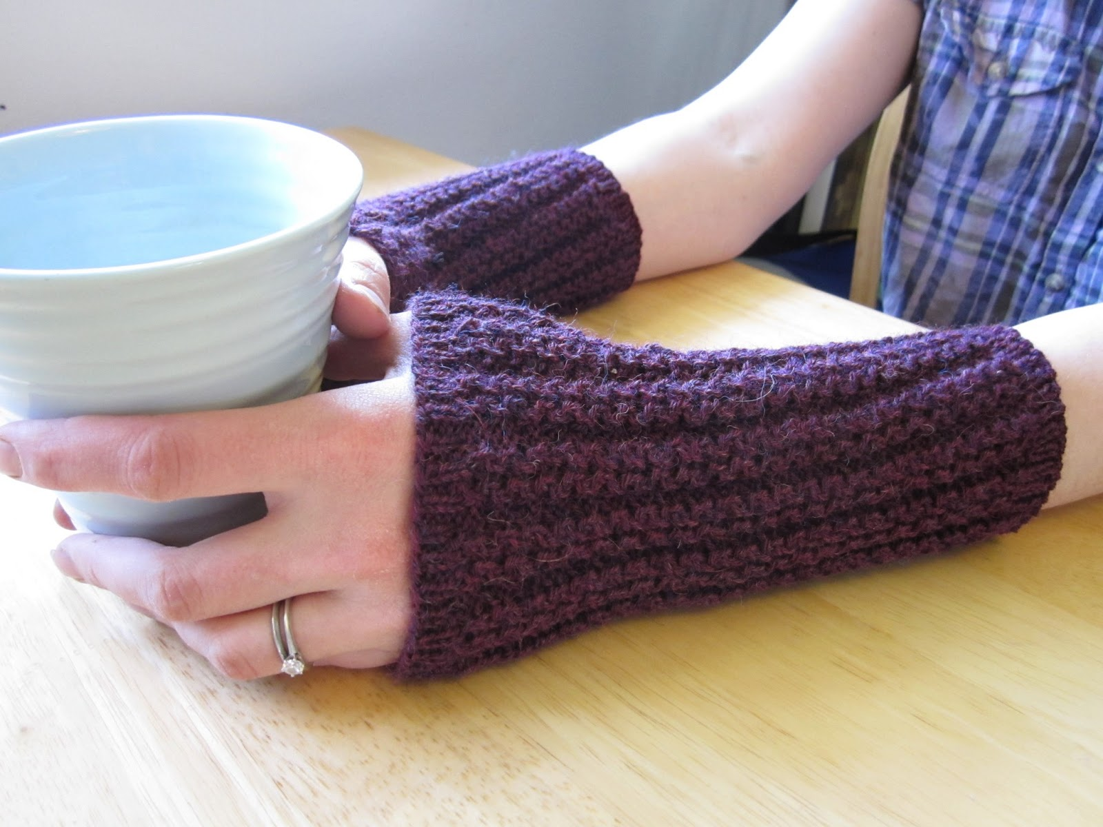 Balls to the Walls Knits: arm warmers