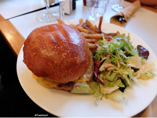 burger cheddar pickles onion rings du Centreville, Restaurant à Paris 11ème  charonne Keller