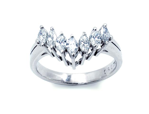 リフォームする前のV字ダイヤモンドリングの写真