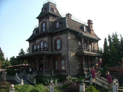 disney paris haunted manor