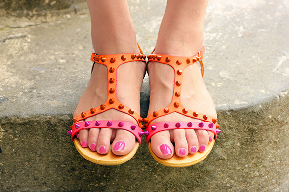 Shoe Dazzle Orange Pink Studded Sandals