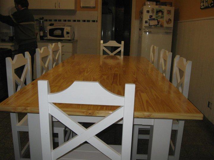 Muebles a Medida Tandil Mesa de pino multilaminado laqueada natural y