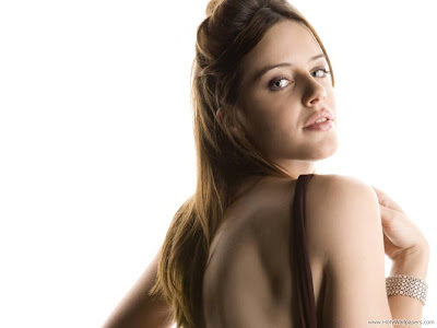 Michelle Ryan Actress and Model HD Wallpaper