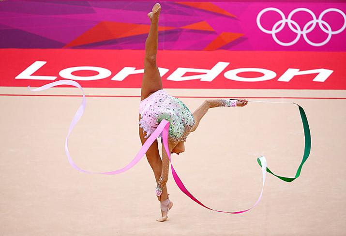 Moda y deporte: Evgenia Kanaeva, gimnasia rítmica. Ganadora del oro olímpico por segunda vez consecutiva. En su país, Rusia, ha rodado un anuncio para Pantene.