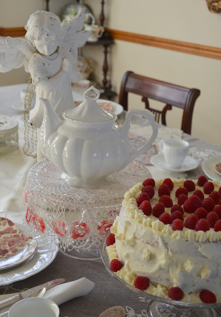 Just click on this picture below to visit BERNIDEEN'S TEA TIME BLOG