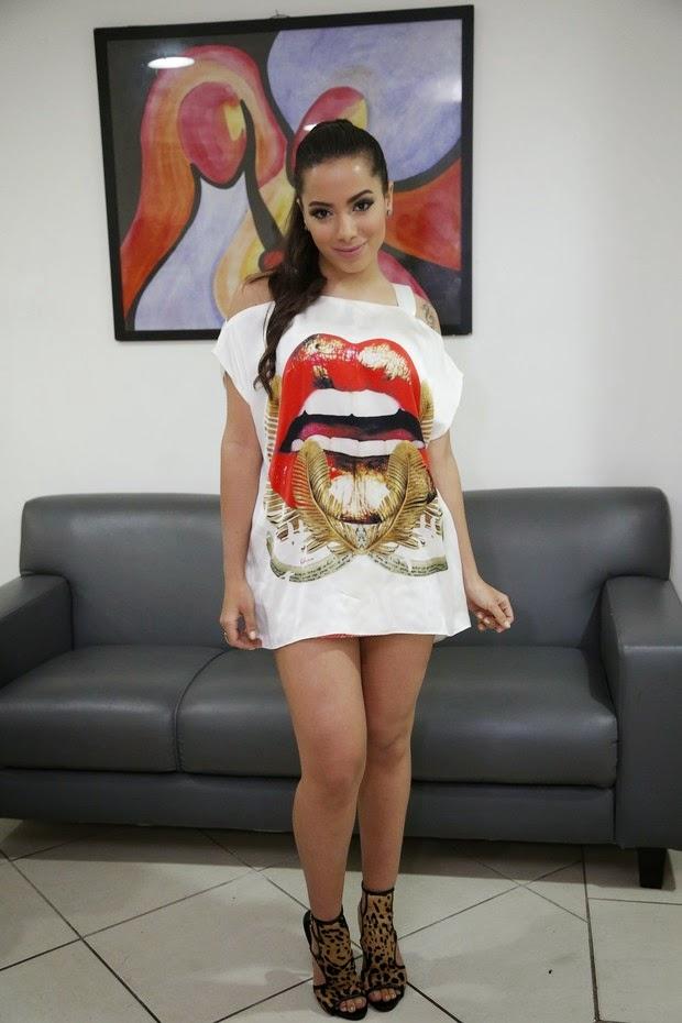 A cantora apresentou o Show das poderosinhas no Cintibank Hall, no Rio de Janeiro, ela chamou atenção pelo look curto