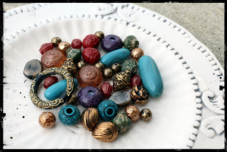 http://2.bp.blogspot.com/-lWhE91LpARk/UGGZGToa-AI/AAAAAAAADAc/97uSiXettIw/s1600/vintage-acrylic-beads.jpg