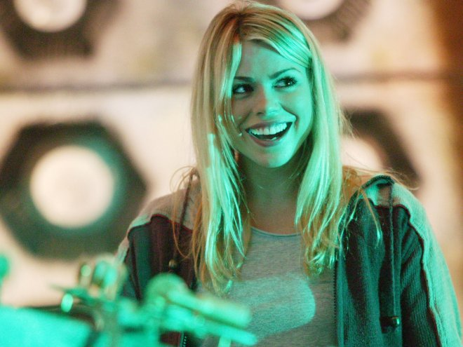 Billie Piper as Rose Tyler (Doctor Who bonus picture 1/2)