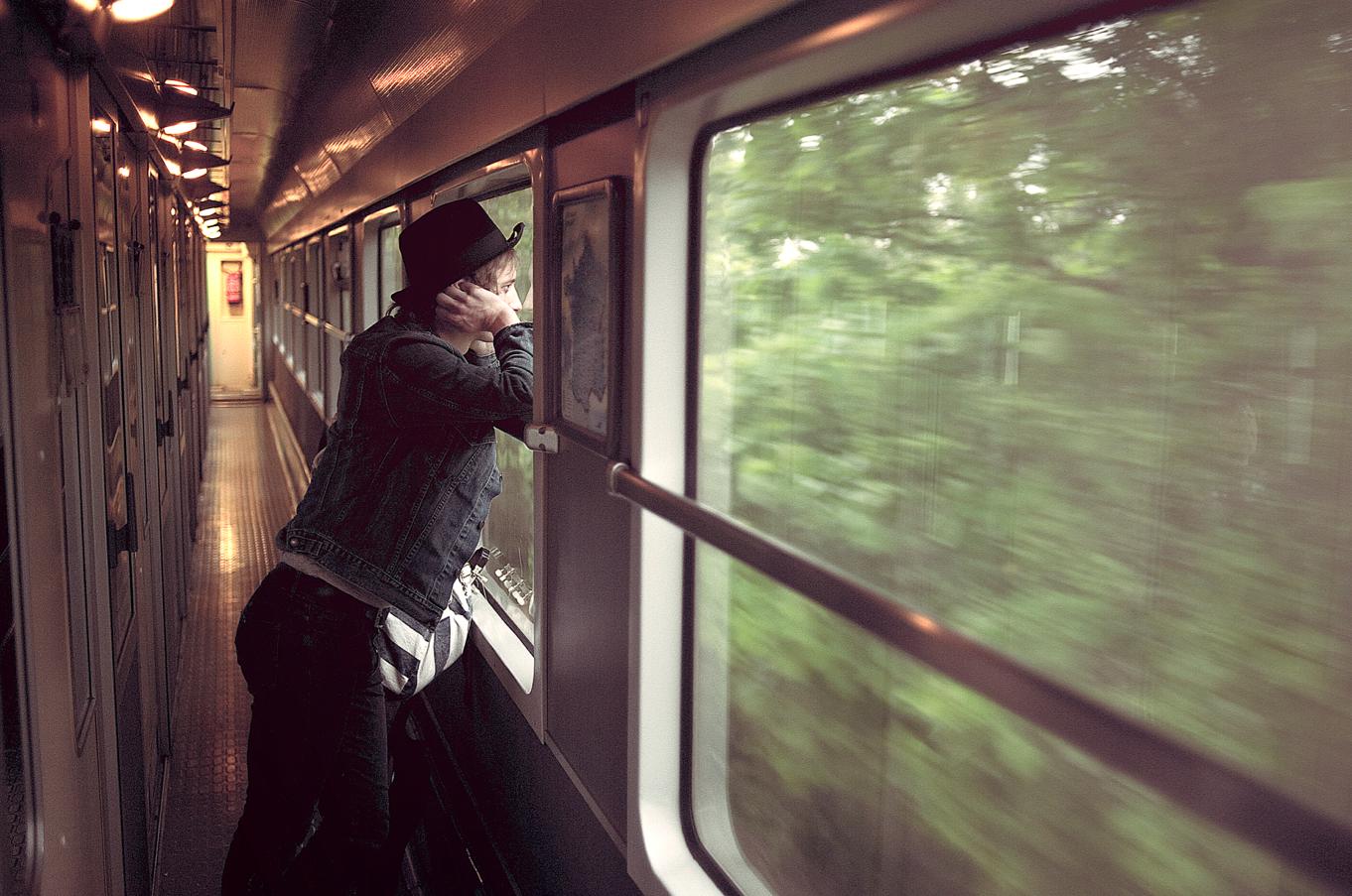 Фото люди в поезде 3
