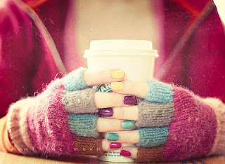 colourful-fashion-mittens-nails-starbuck
