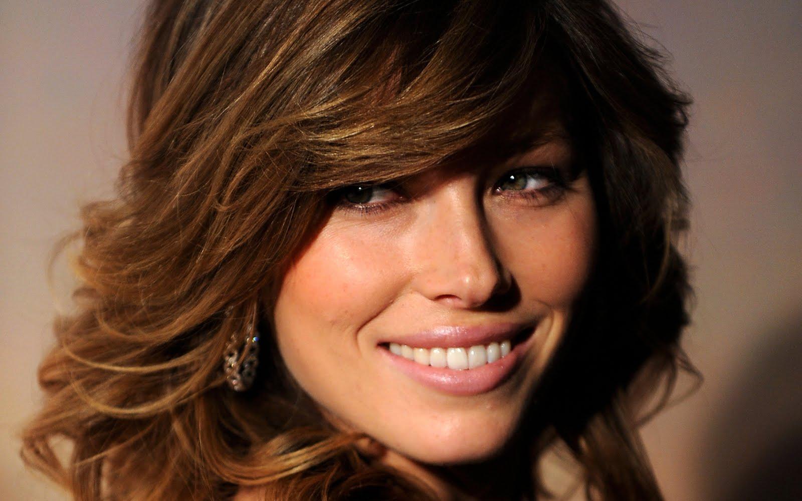 http://2.bp.blogspot.com/-lWqaldOZ6Zo/TkXHLVcua-I/AAAAAAAAAZA/kDBFJ6Fh4jQ/s1600/Jessica+Model+Wallpaper5.jpg