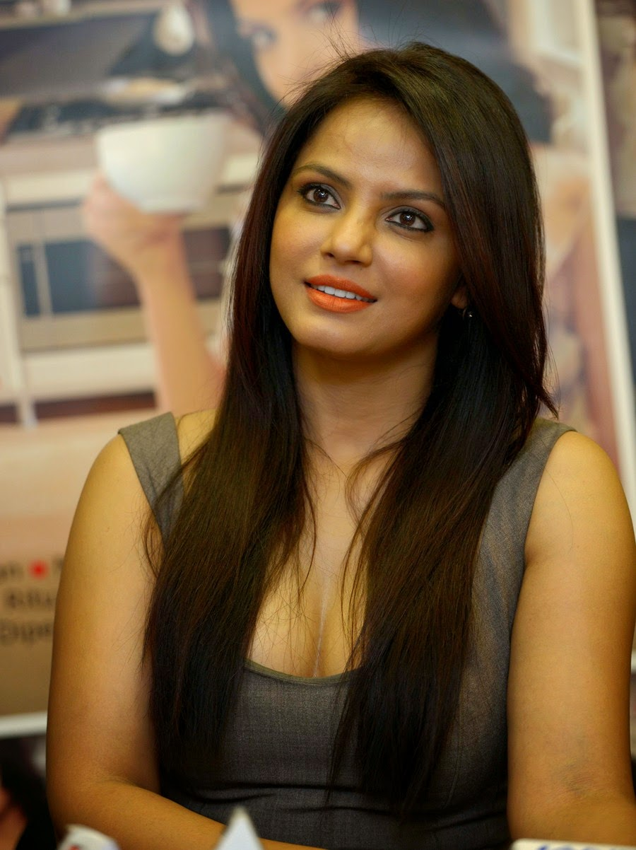 Neetu Chandra Nude Photos 96