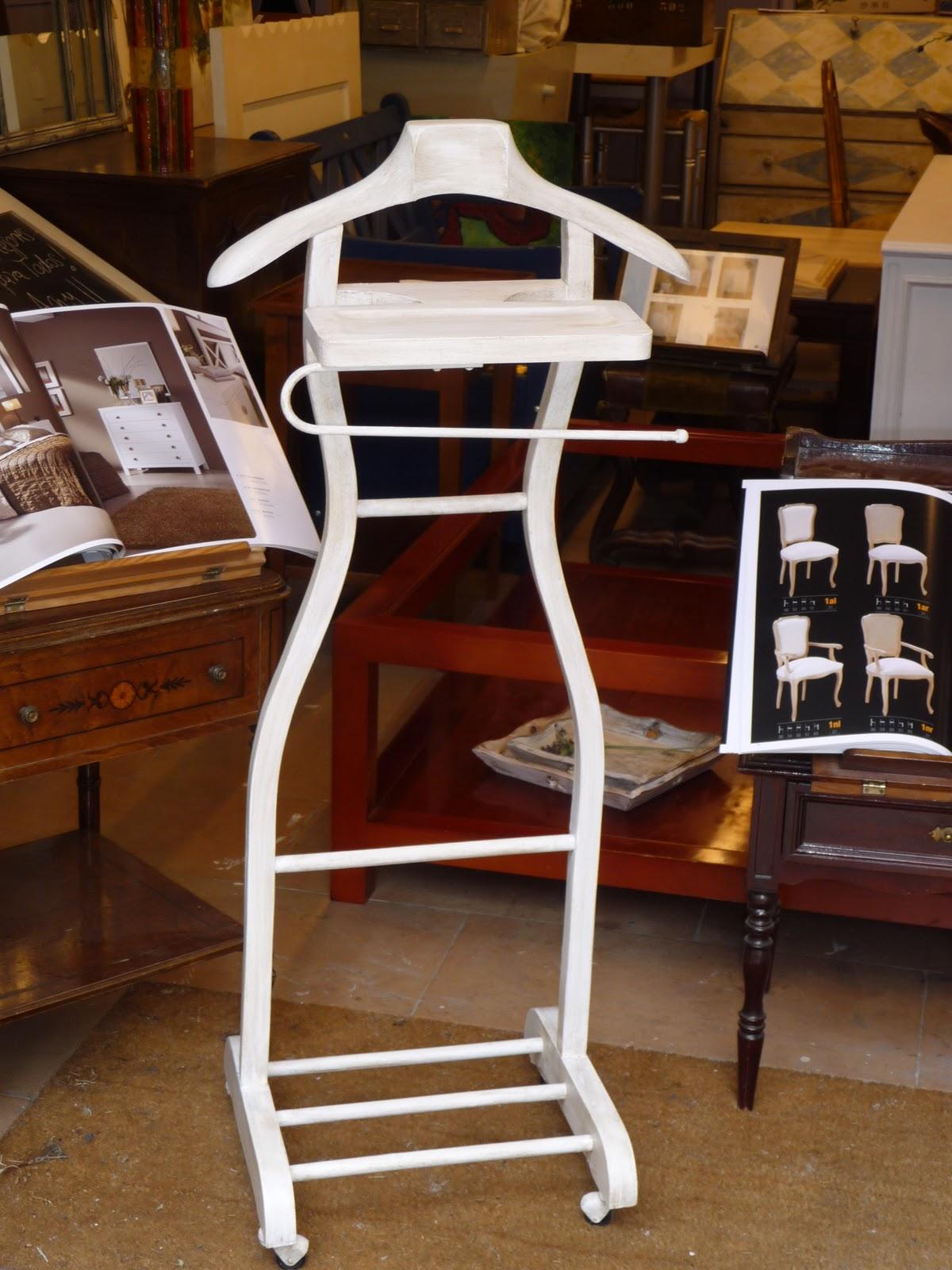 Candini, Muebles Pintados. Nuevos y Redecorados.: Muebles decapados blanco en...