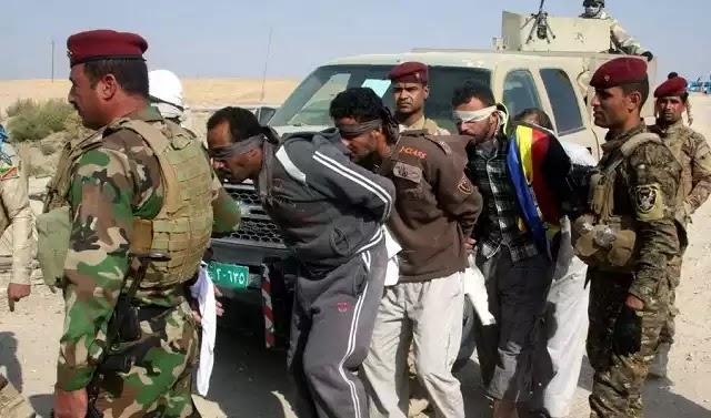 Ιράκ: Πετάνε ισλαμιστές του ISIS από γκρεμό και τους «γαζώνουν» (βίντεο)