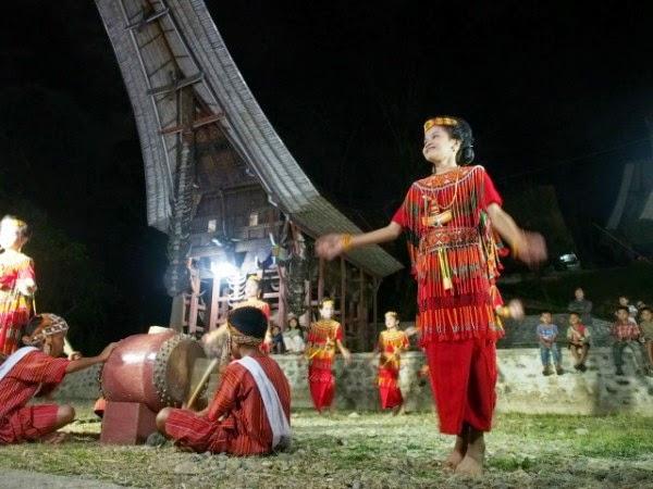 Wira Nurmansyah: Lebih dekat dengan Toraja - Travel Story