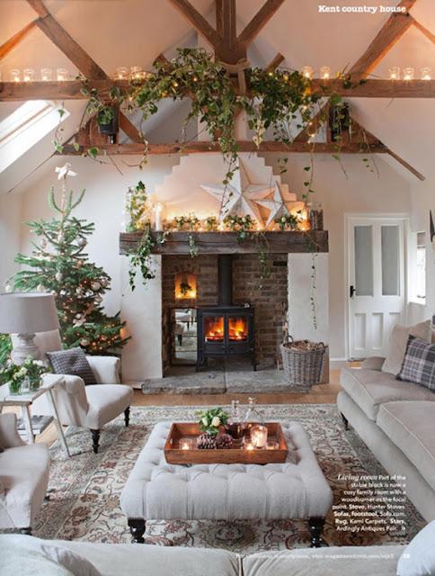 Aconchegante decoração de Natal | Imagem via Country Homes & Interiors