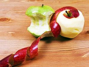 Buah apel bisa mengatasi ketombe dan jerawat